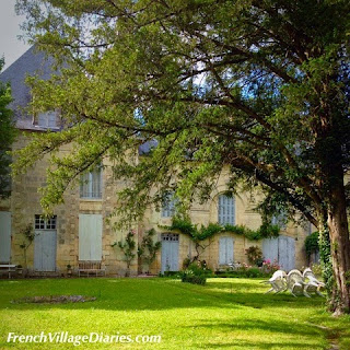 French Village Diaries family cycling Charente Maritime Poitou-Charentes Taillebourg