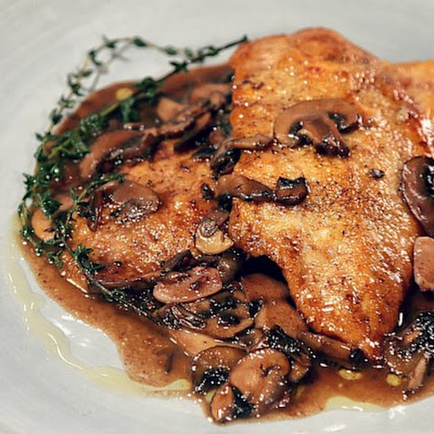 Roast Chicken & Mushrooms with Red Wine Sauce Recipe | Yummly