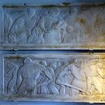 """Familistère : musée, """"Les mouleurs"""" par Joël Martel (plâtre, 1922), modèle du monument au morts 14-18 du Familistère"""