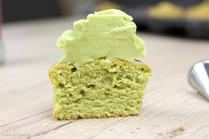 Matcha_Cupcakes_mit_grüner_Buttercreme (10)