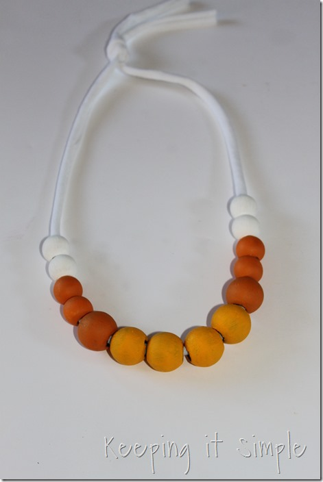 DIY-Candy-Corn-Necklace (5)