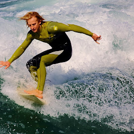 Vert olive by Gérard CHATENET - Sports & Fitness Surfing