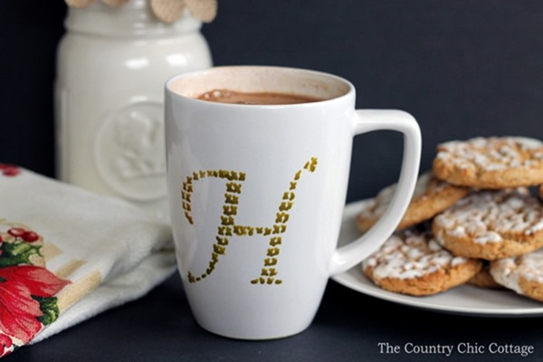 make-this-cross-stitch-monogram-mug-in-just-minutes-004
