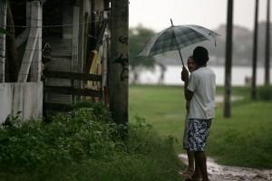 Quinta-feira amanhece chuvosa e o fenômeno deve-se repetir nos próximos dias. Confira!