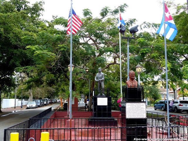 monumento-heroes-cubanos-little-havana.JPG