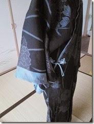 組紐をコートに付けて (6)