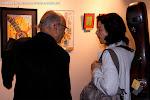 Juan Grecos con Dale Kavanagh en la exposición de pintura