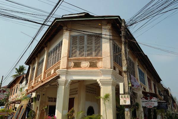 камбоджа кампот колониальная архитектура улицы здания дома