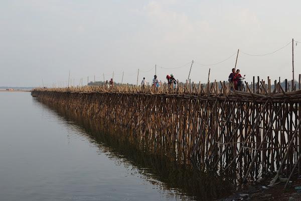 бамбуковый мост камбоджа меконг