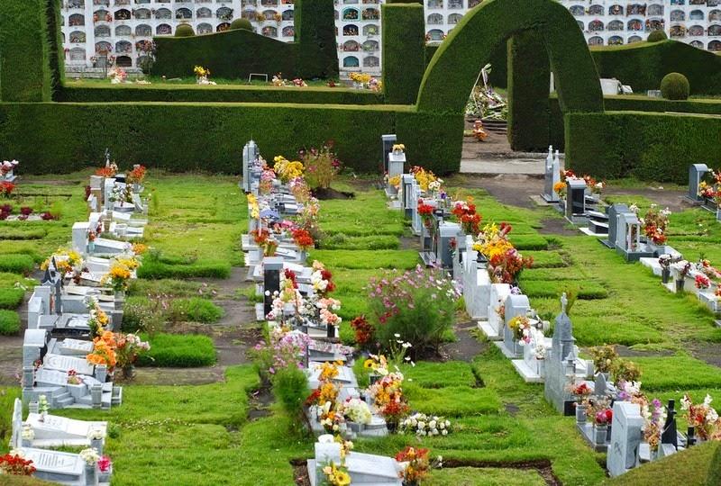 topiary-cemetery-tulcan-7