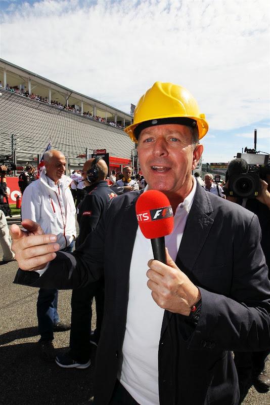 Мартин Брандл в каске на Гран-при Бельгии 2012