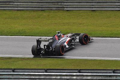Нико Хюлькенберг на Sauber перегородил дорогу на Гран-при Малайзии 2013