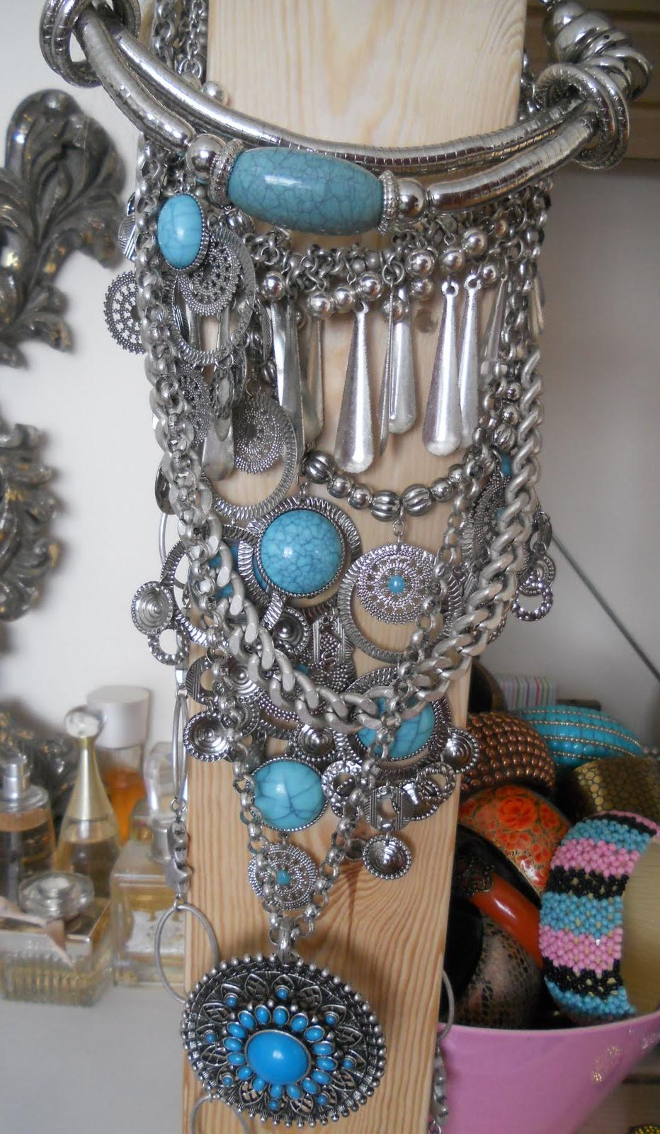 Turquoise and silver jewelry.