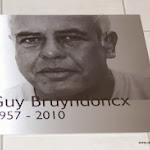 foto lasergegraveerd in inox plaat 48 x 48 cm.jpg