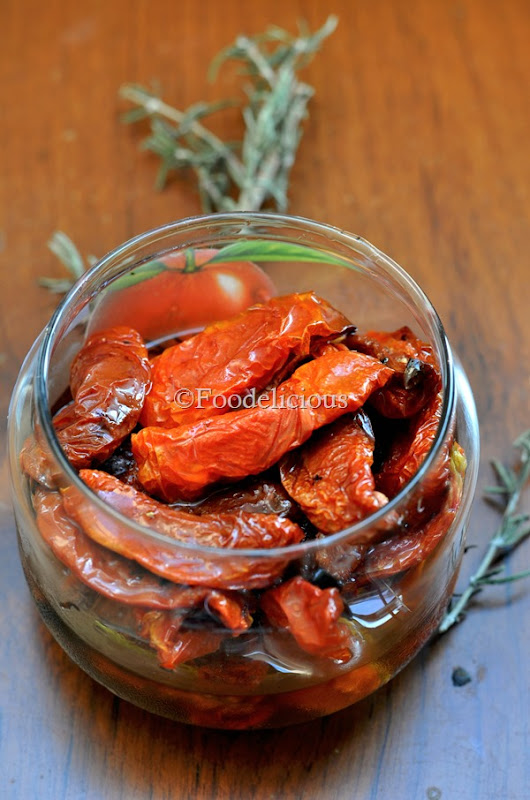 Foodelicious- Oven Dried Tomatoes