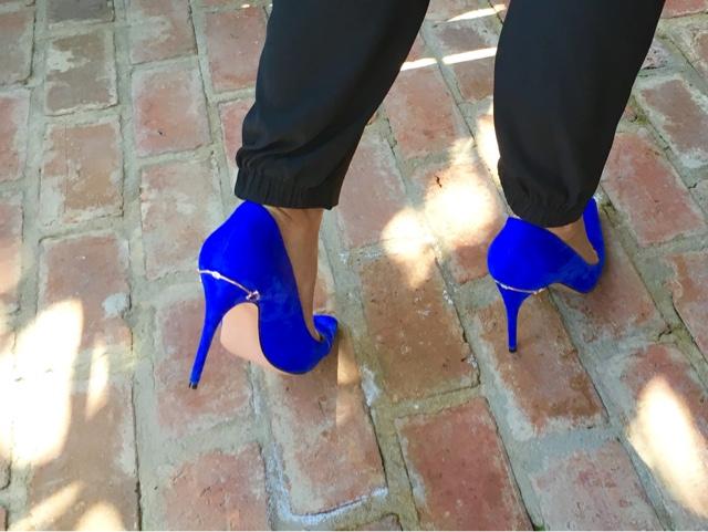 blue suede gucci pumps