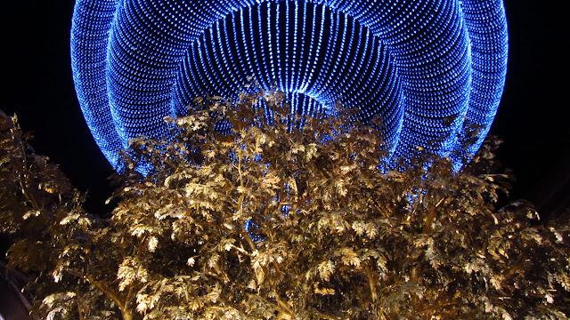 """The golden """"Tree of Prosperity"""" inside the Wynn Macau."""
