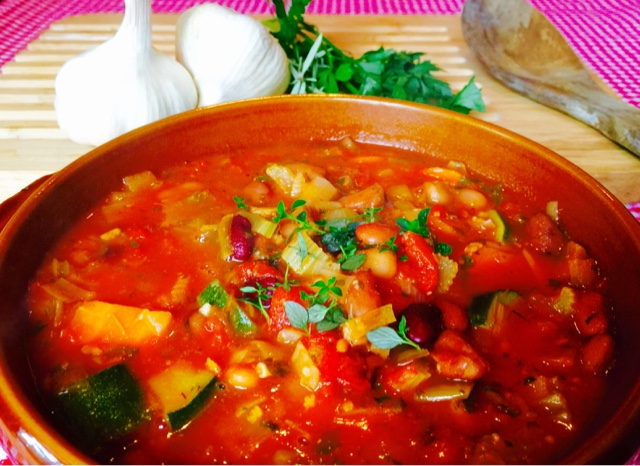 Rustic Tuscan bean soup with tomato