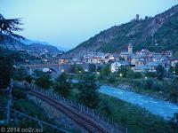 Morgengrauen in Villeneuve im Aostatal.