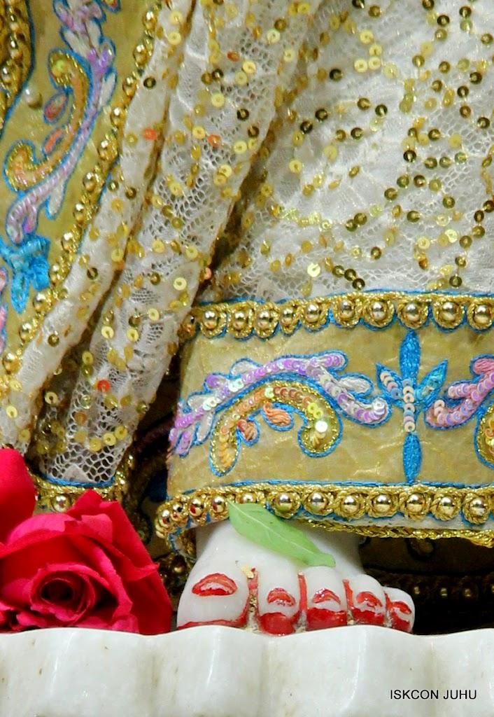 ISKCON Juhu Mangal deity Darshan 09 Feb 16 (30)