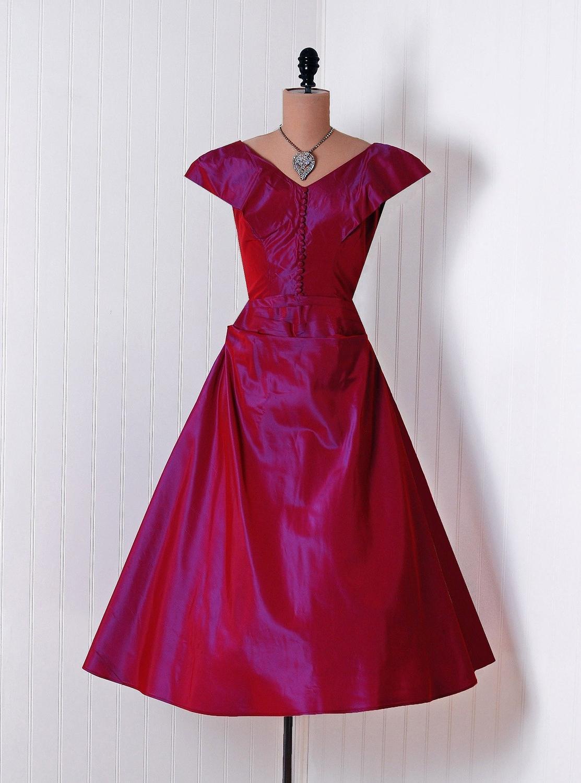 Iridescent Magenta-Pink
