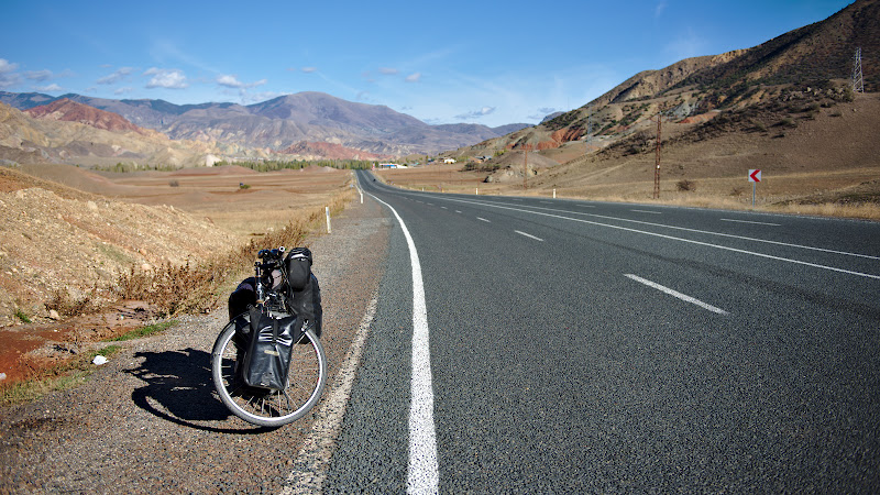 Drum perfect, vreme buna, trafic inexistent. Ce poti sa ceri mai mult?
