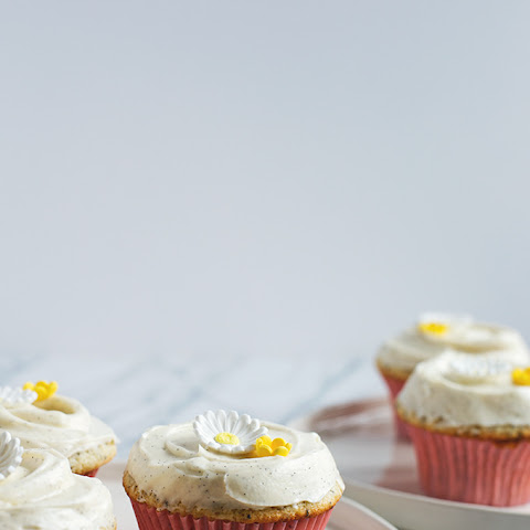 how to make poppy seed cupcakes