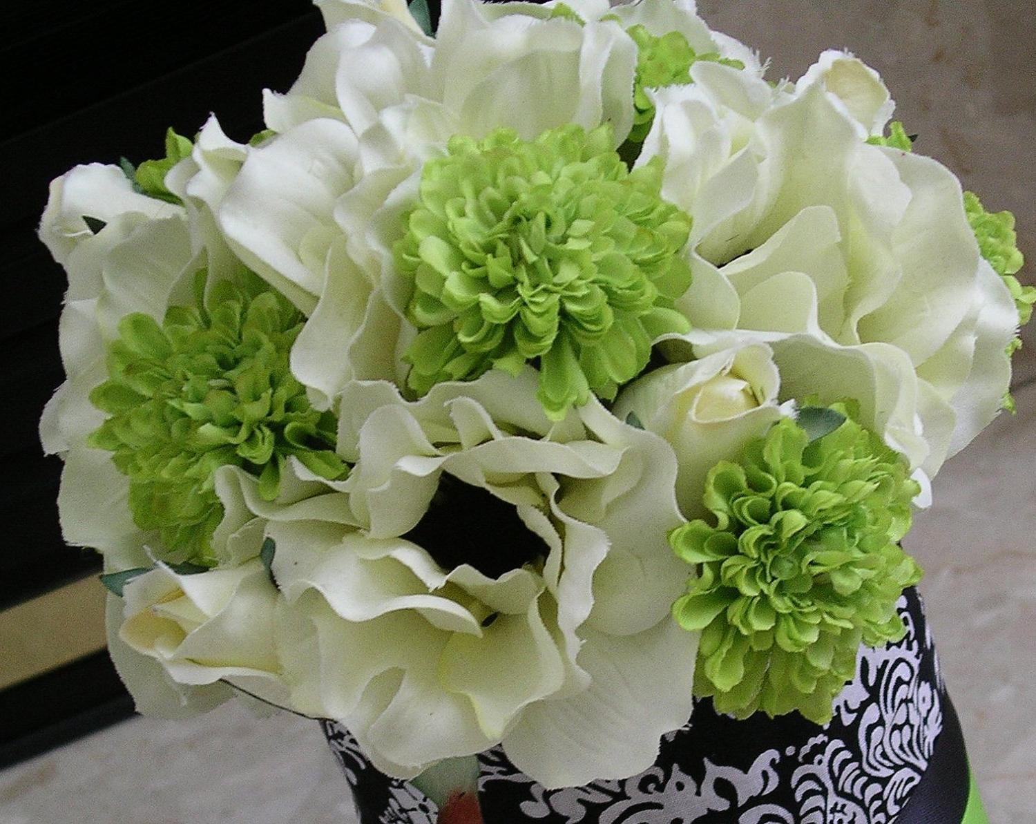 Black, White Anemone & Lime