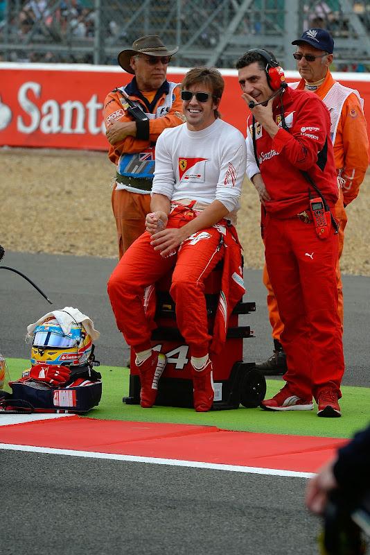 Фернандо Алонсо и Андреа Стелла на стартовой решетке Гран-при Великобритании 2014