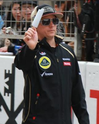 Кими Райкконен с мороженкой на Гран-при Китая 2012