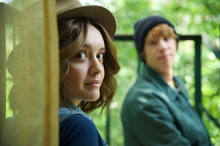"Olivia Cooke as ""Rachel"" and Thomas Mann as ""Greg"" in ME AND EARL AND THE DYING GIRL. Photo by Anne Marie Fox. © 2015 Twentieth Century Fox Film Corporation