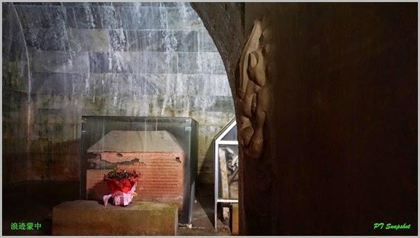 纯惠皇贵妃、乌喇那拉皇后的棺椁