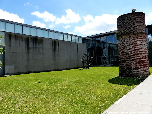 entrada-museo-la-piscina-roubaix.JPG