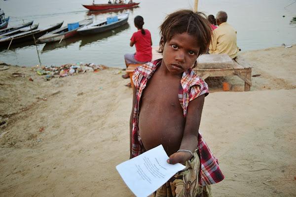 варанаси дети попрошайки индия
