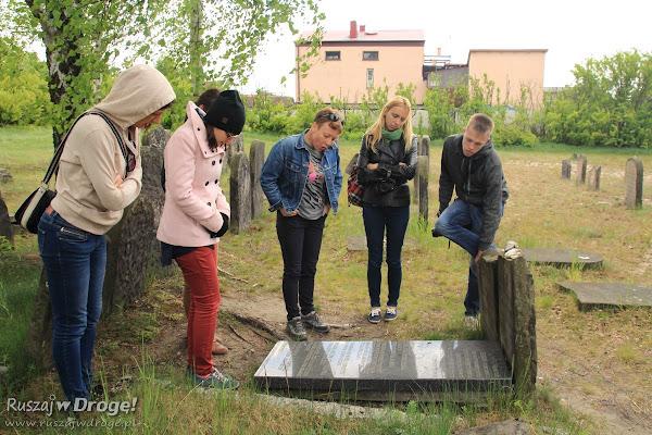 Zwiedzamy cmentarz żydowski w Żarkach