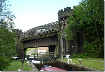17 gauxholme arch rly bridge