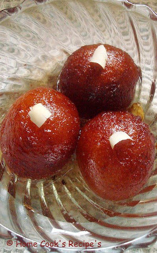 My Gulab Jamun's  http://homecookreceipes.blogspot.com/2009/03/paneer-mint-rice-with-boondhi-raita-and.html