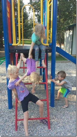 silly-kids-crazy-024