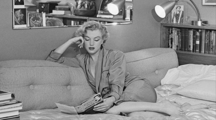Marilyn lendo Heine