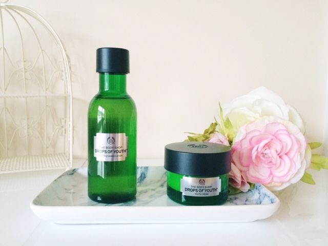 The Body Shop Drops of Youth review, The Body Shop skincare, The Body Shop sleeping mask, The Body Shop skincare review, The Body Shop essence lotion, anti-aging skincare