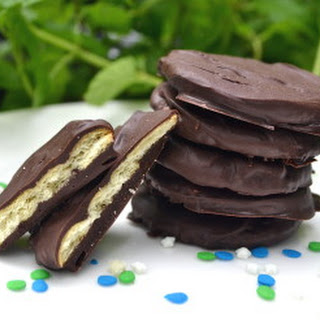 Ridiculously Easy Copycat Thin Mint Cookies