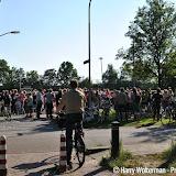 Scholieren wandeltocht door Nieuwe Pekela sportweek 2015 - Foto's Harry Wolterman
