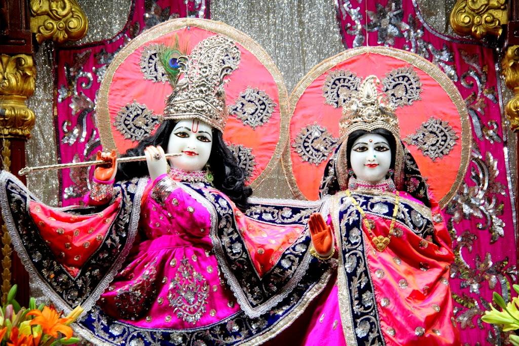 ISKCON Juhu Mangal Deity Darshan 14 Jan 2016 (9)