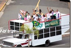 ADCF Unimed - Desfile das tricampeãs - Trecho da Avenida Cillos
