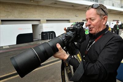 Мартин Брандл в роли фотографа на Гран-при США 2013