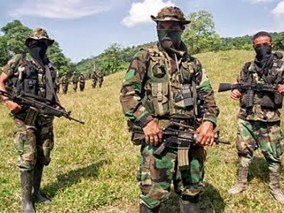 Patronales y grupos criminales amenazan a trabajadores de la salud en Caquetá