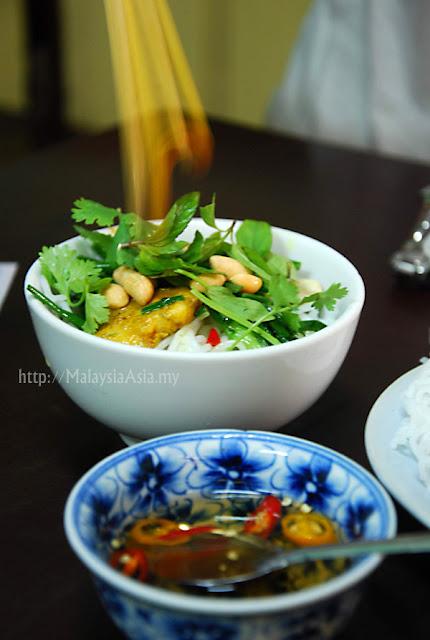 Cha Ca La Vong Restaurant Hanoi