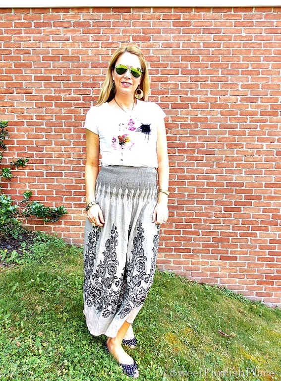 graphic tee maxi skirt polka dot flats1