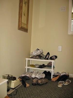[Shoe%2520cabinet%25201%255B4%255D.jpg]