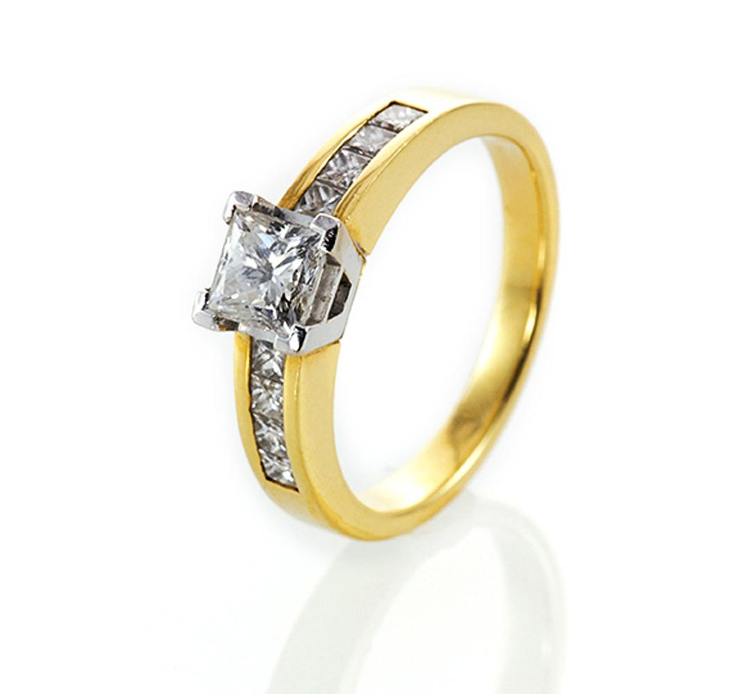 Engagement Rings - Gold
